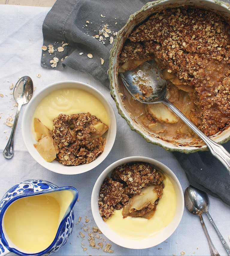 salted-caramel-apple-gluten-free-crumble-with-sugar-free-vegan-date-caramel-l
