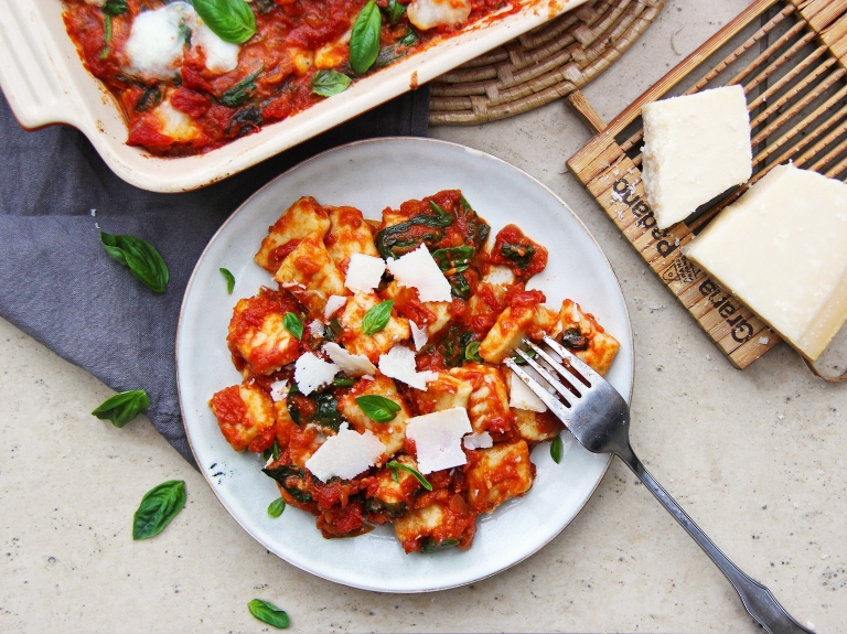 ricotta gnocchi with classic tomato basil sauce mozzarella and Parmesan cheese healthy 5