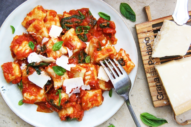 ricotta gnocchi with classic tomato basil sauce mozzarella and Parmesan cheese healthy 6