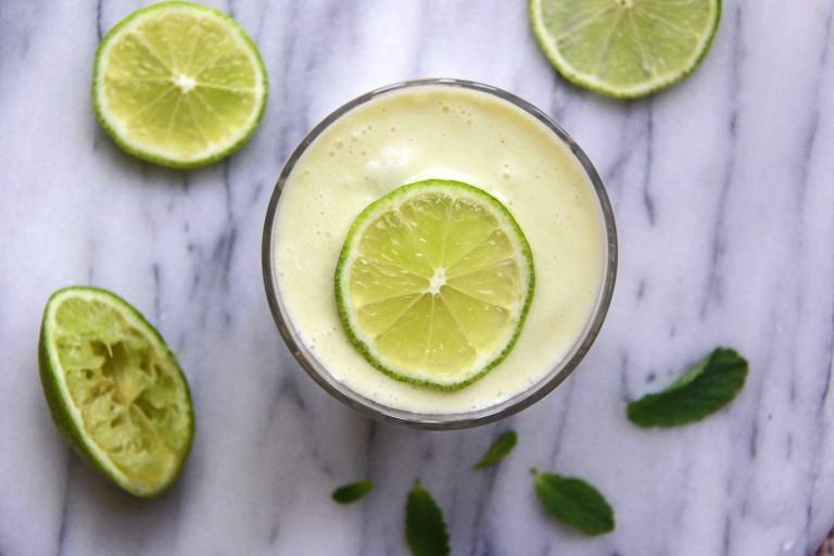 healthy-banana-colada-mocktail-with-pineapple-coconut-water-and-lime
