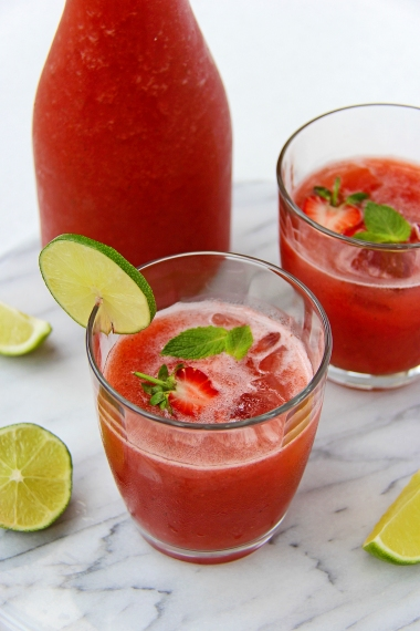 Strawberry, lime, mint and coconut water agua fresca refined sugar free, healthy, vegan drink 3