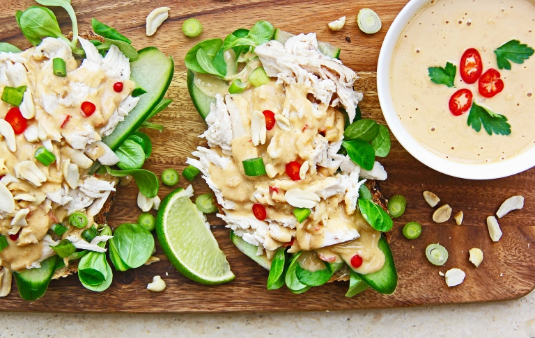 shredded-chicken-satay-open-sandwich-with-spicy-peanut-sauce-shaved-cucumber-and-chilli-7