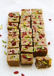 tahini-and-date-freezer-fudge-vegan-2