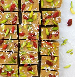 tahini-and-date-freezer-fudge-vegan-4