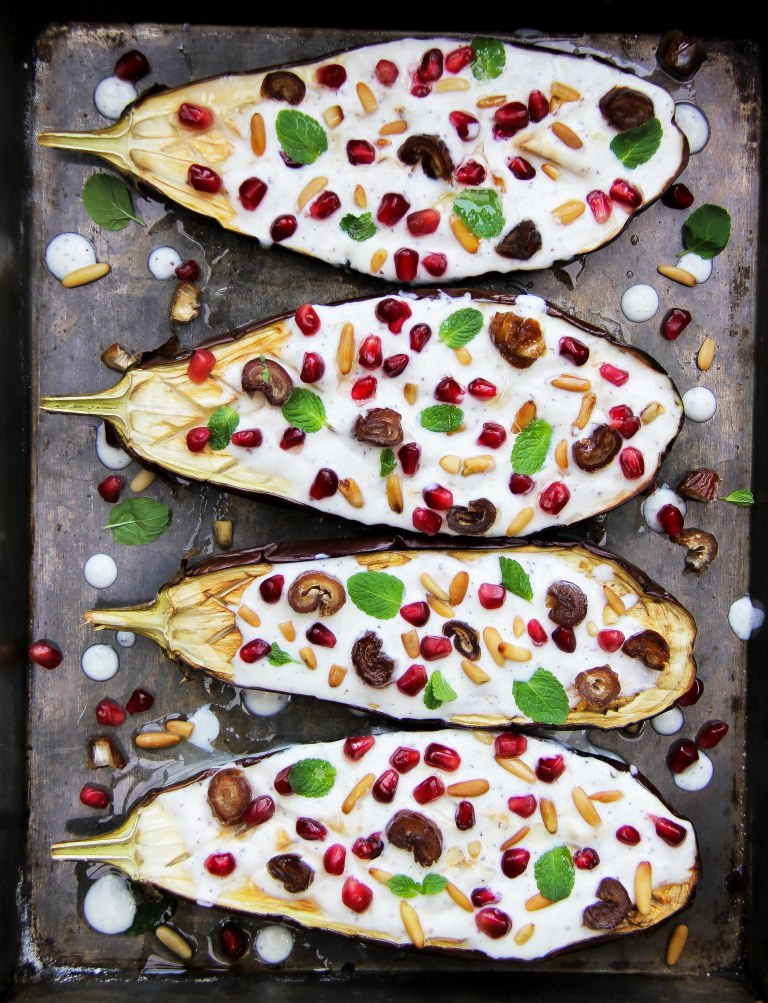 Aubergine with yoghurt sauce, pomegranate, dates and pine nuts 4